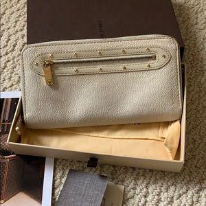 Louis Vuitton suhali zippy long Wallet